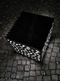 Lichtspiel, Cube, Black And White, Coburg, Albertplatz