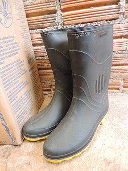 Boot, Wall, Brick Wall, Shoe Service