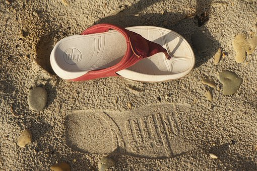 Footprint, Sand, Fit-flop, Sandal, Footstep, Lifestyle