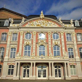 Trier, Kurfürstliches Palais, Architecture