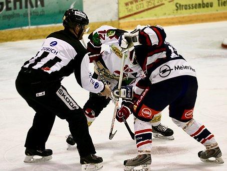 Puck Einwurf, Referee, Hockey Player