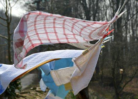 Laundry, Wind, Flutter, Blow, Live
