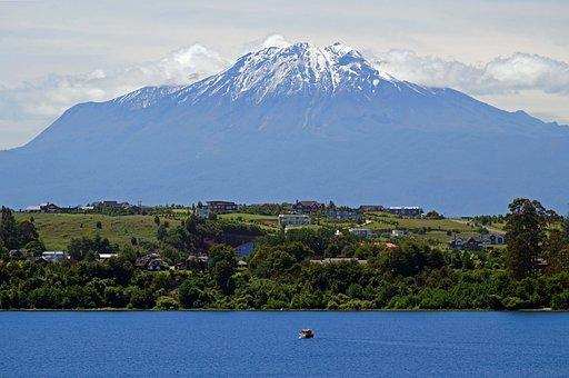 Chile, Lake Llanquihue, Calbuco Volcano