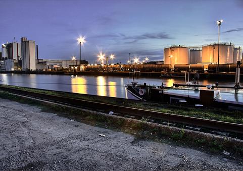 Gelsenkirchen, City harbor, Rhine Herne Canal, Dusk