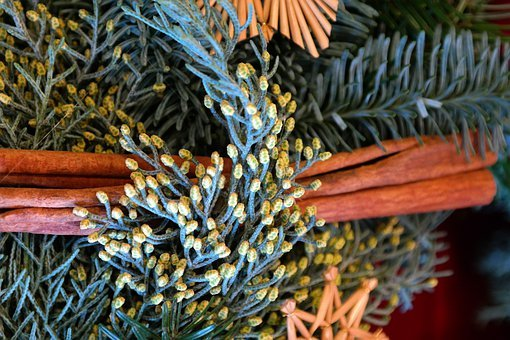 Arrangement, Advent Wreath, Cinnamon Sticks, Branches
