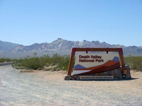 Board, Entrance Sign, Death Valley, Desert, America
