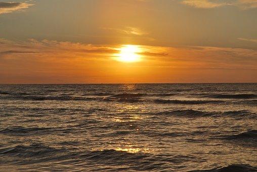 West, The Sun, Stegna
