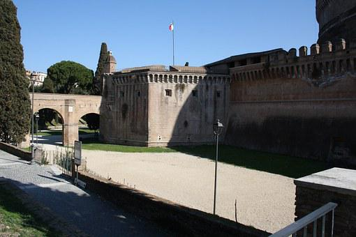 Rome, Castle, Court