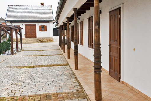 Villány, Porch, Yard, Architecture, Column, Building