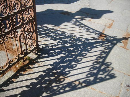 Grid, Shadow, Entry