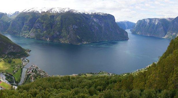 Norway, Sogne, Fjord
