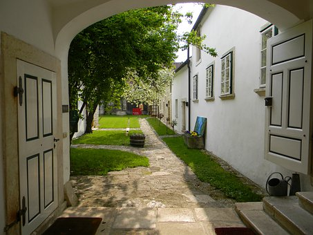 Hof, Courtyard, Gateway