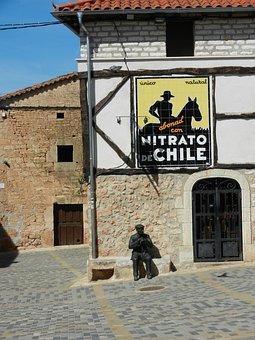 Chile Nitrate, Calm, Statue