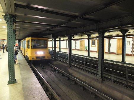 Metro, Metro Station, Budapest