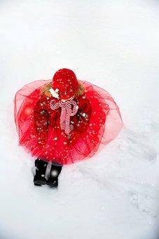Little Girl In Snow, Winter, Snow, Girl, Child, Little