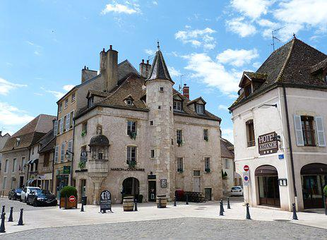 Beaune, France, Historically, Tourism, Middle Ages