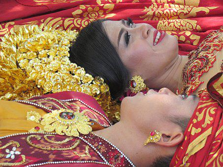 Newlyweds, Indonesia, Balinese, Getting Married