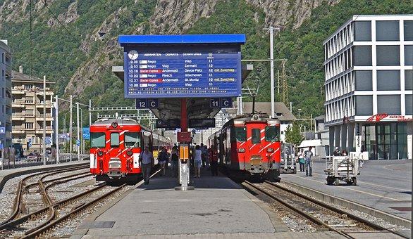 Brig, Station Forecourt, Vineyard Station