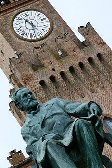 Verdi, Bussetto, Music, Monument