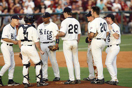 Baseball, Team, Meeting On Mound, Pitcher's Mound