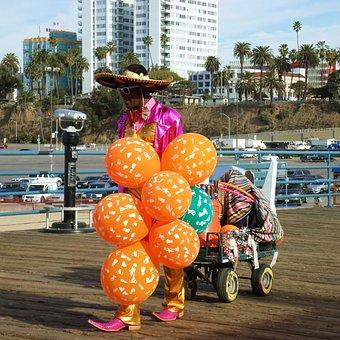 Santa Monica, Pier, Street Vendor, Balloons, Sombrero