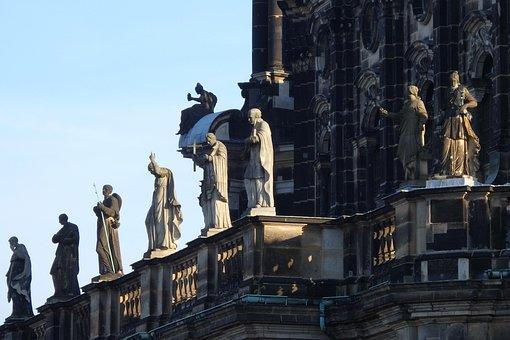 Dresden, Catholic Hofkirche, Statues Of The Saints