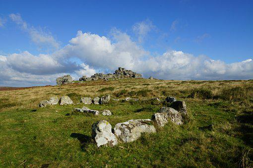 Ancient Stone Circle, Dartmoor, Dartmoor Tor, Cistvaen