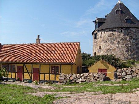 Christiansoe, Truss, Building