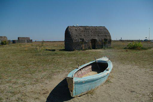 Fishing Boat, Old Fisherman House, Etang