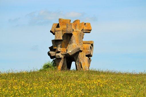 Places Of Interest, Sculpture Field, Figure Box