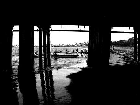 Santa Monica Pier, California, Rowing Team, Beach