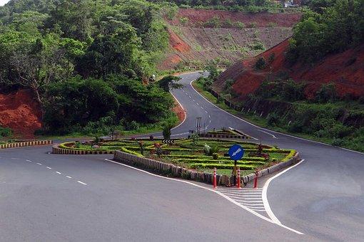 Road Intersection, Traffic Island, Hill Road, Goa