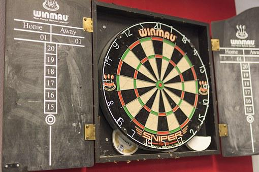 Darts, Dart Board, Game, Competition, Recreation