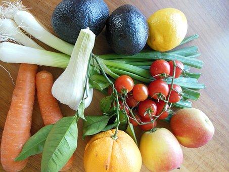 Avocado, Lemon, Orange, Apple, Leek, Carrot, Tomatoes