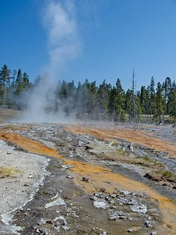 Yellowstone National Park, Wyoming, Usa, Scenery