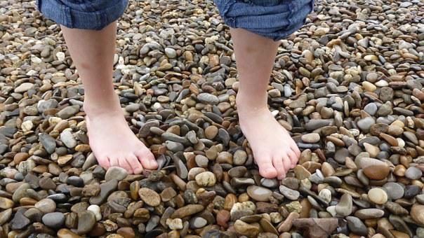 Barefoot, Foot, Toes, Wet, Flushed, Stones, Pebble