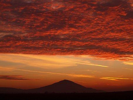 Szársomlyó, Dawn, Cloud, Daybreak, Nature, Sunrise