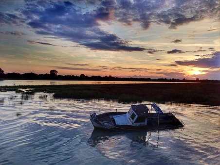 Sunken Boat, Adriatic Sea, Abendstimmung, Sunset