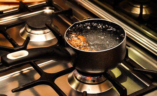Pan, Water, Kitchen, Boiling Water, Fire, Stove, œuf