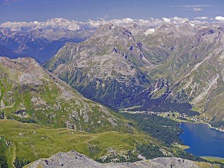 Switzerland, Oberengadin, Maloja Pass, Lake Sils