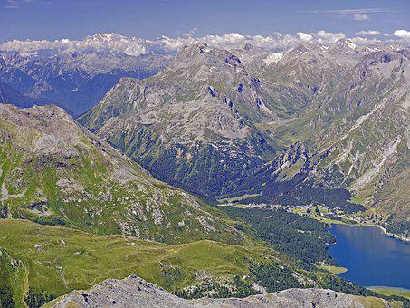 Switzerland, Oberengadin, Maloja Pass, Lake Sils