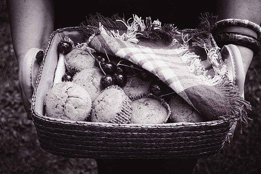 Black And White, Muffins Basket