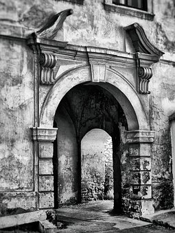 The Passage Of The, Gate, House, Old House