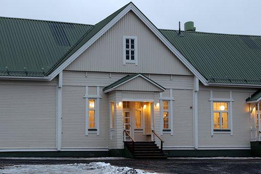 Alakylä School, Oulu, Finland, Building, School