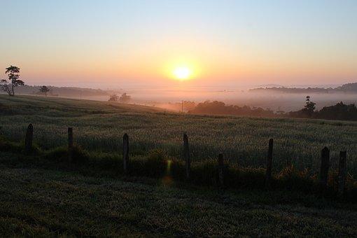 Born Sun, Fog, River Valley Itapetininga, Itapetininga