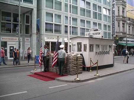 Berlin, Checkpoint Charlie, Attraction