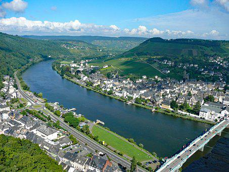 Traben-trabach, Mosel, Sachsen, Germany, Wine