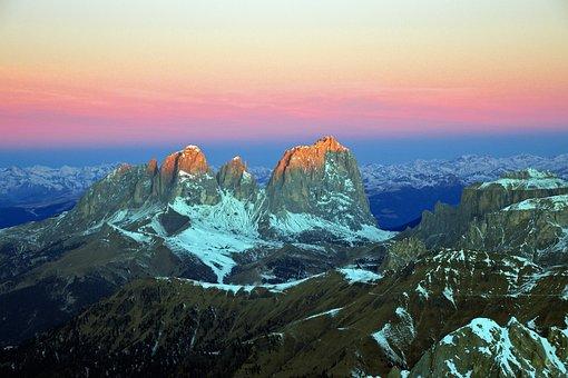 Dawn, Sassolungo, Dolomites, Val Gardena