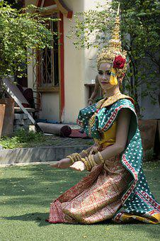 Thai Traditional Dance, Dancing, Thai Culture, Thailand