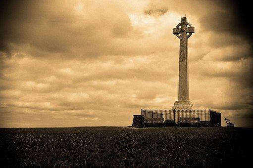 Cross, Tennyson, Moody, Isle Of Wight, Vignette, Dark